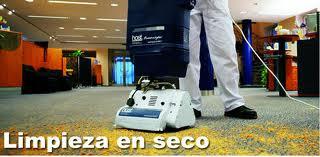 Maquinaria de limpieza profesional de alfombras host dry - Como limpiar alfombras en seco ...