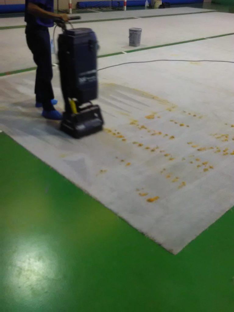 Limpieza de clubs de gimnasia y deportivos