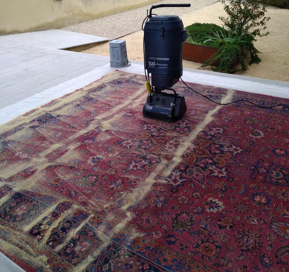 reaparición de manchas en alfombras